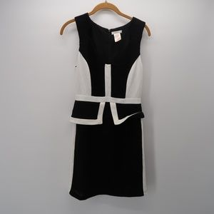 Esley White Black Sleeveless V-Neck Mini Dress